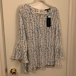 19 Cooper white & blue floral top size 1X